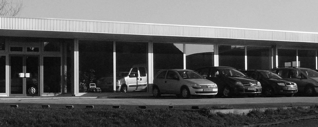 showroom Bovag autobedrijf van Benthum Boxmeer