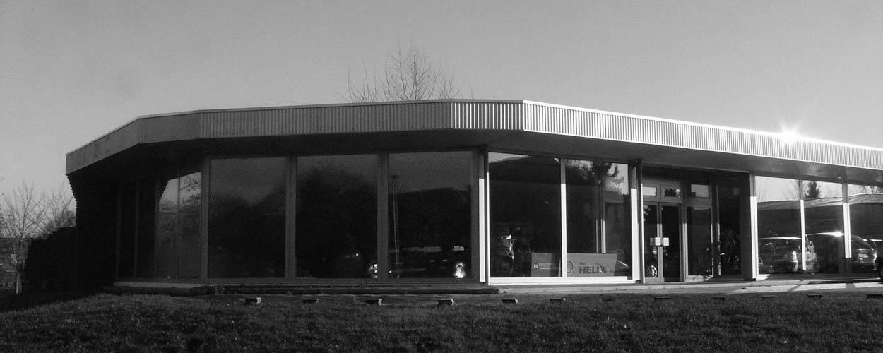 showroom voorkant Bovag autobedrijf van Benthum Boxmeer