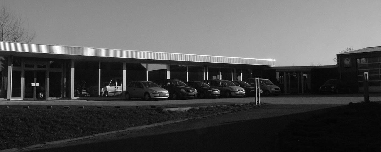 Autoshowroom autobedrijf van Benthum stationsweg 44 Boxmeer